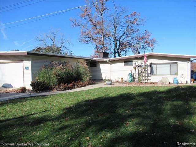 1229 Maxfield Road, Hartland Twp, MI 48353 (#219114234) :: The Buckley Jolley Real Estate Team