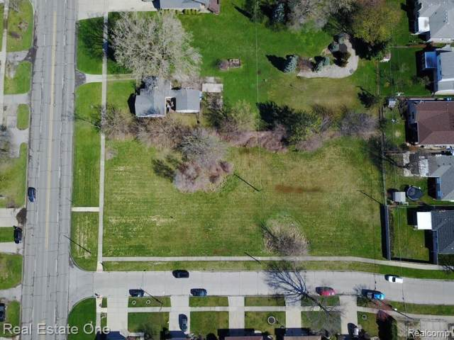 6154 N Inkster, Dearborn Heights, MI 48127 (MLS #219114380) :: The John Wentworth Group