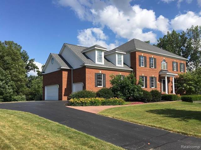 7754 Parkcrest Circle, Independence Twp, MI 48348 (MLS #219114406) :: The Toth Team