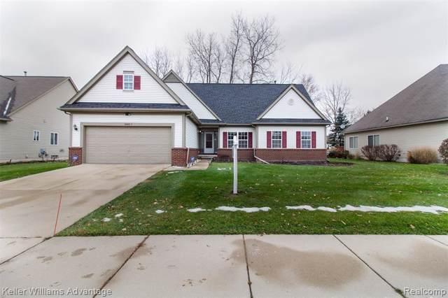 2052 Lagoon Drive, Rochester Hills, MI 48309 (#219114409) :: The Alex Nugent Team   Real Estate One