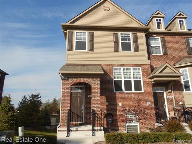2709 Helmsdale Circle, Rochester Hills, MI 48307 (#219114574) :: The Alex Nugent Team | Real Estate One