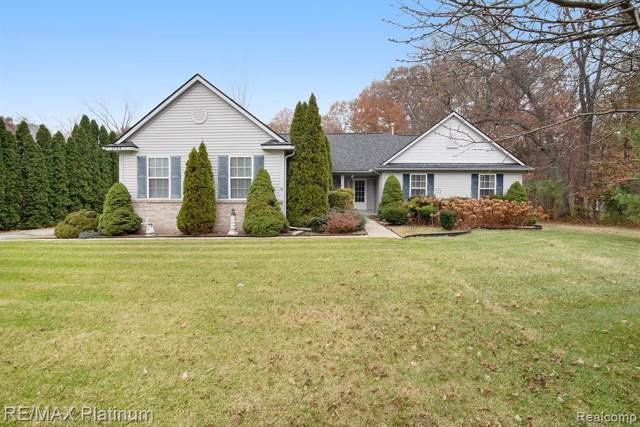 2788 Clydesdale Court, Putnam Twp, MI 48169 (#219114639) :: The Buckley Jolley Real Estate Team