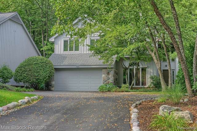 4901 Fairway Ridge Circle, West Bloomfield Twp, MI 48323 (MLS #219114885) :: The Toth Team