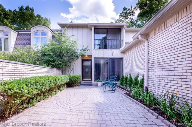 1128 Timberview Trail #103, Bloomfield Twp, MI 48304 (#219115067) :: The Mulvihill Group