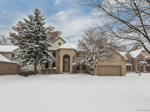 5019 Cherry Blossom Circle, West Bloomfield Twp, MI 48324 (#219115288) :: The Alex Nugent Team | Real Estate One