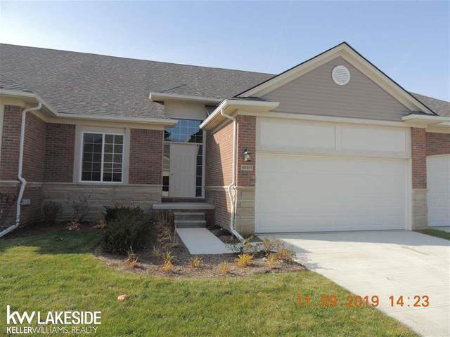 49277 Pond Place Unit # 162 / Bu, Shelby Twp, MI 48315 (#58050000017) :: The Alex Nugent Team | Real Estate One