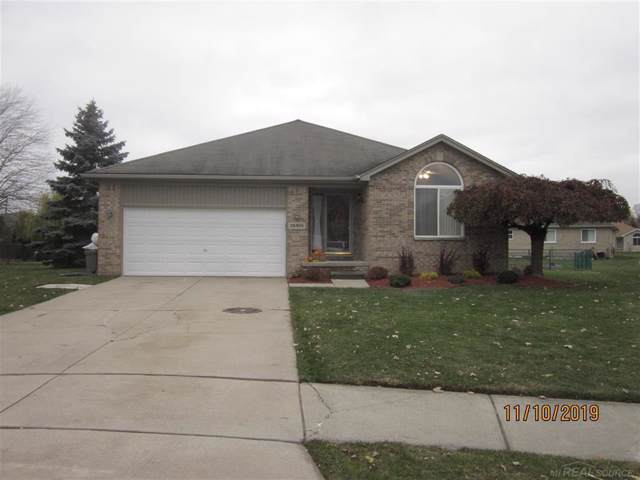 28455 Clover Ct, Chesterfield Twp, MI 48047 (#58050000101) :: The Alex Nugent Team | Real Estate One