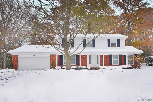2859 Courville Dr, Bloomfield Hills, MI 48302 (#219115630) :: The Mulvihill Group