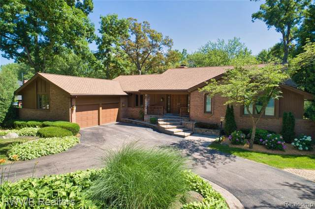 135 W Hickory Grove Road, Bloomfield Hills, MI 48304 (#219115663) :: Keller Williams West Bloomfield