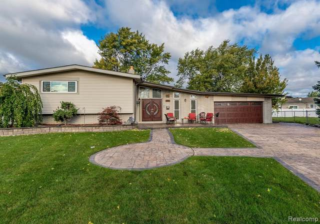 993 Sherbourne Drive, Dearborn Heights, MI 48127 (MLS #219115944) :: The Toth Team