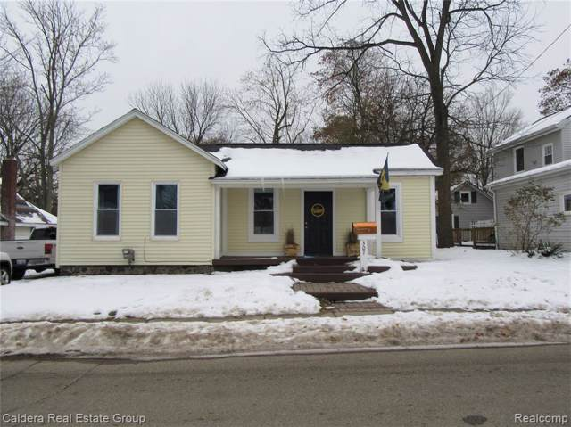 307 S East Street, Fenton, MI 48430 (#219116095) :: The Buckley Jolley Real Estate Team