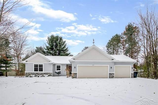 6115 Oak Hollow, Midland, MI 48640 (#61050000195) :: GK Real Estate Team