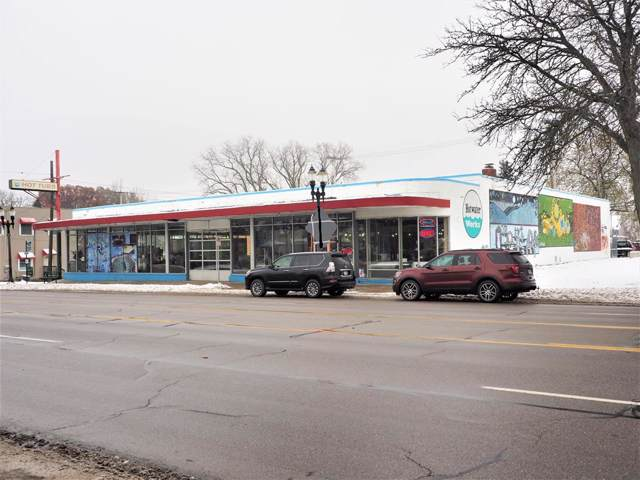 2116 E Michigan Avenue, Lansing, MI 48912 (#630000242592) :: Robert E Smith Realty