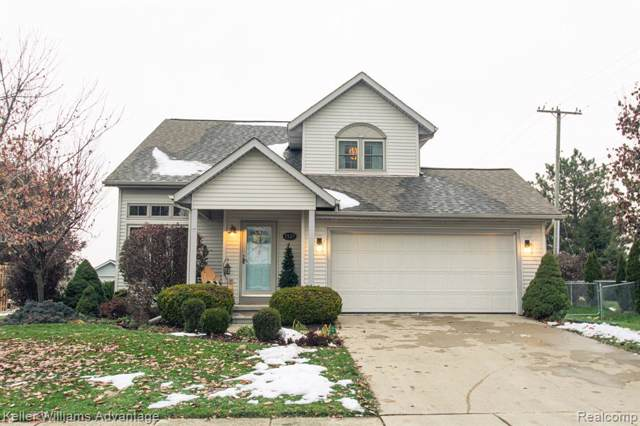 1521 Maplewood Drive, Saline, MI 48176 (MLS #219117069) :: The Toth Team