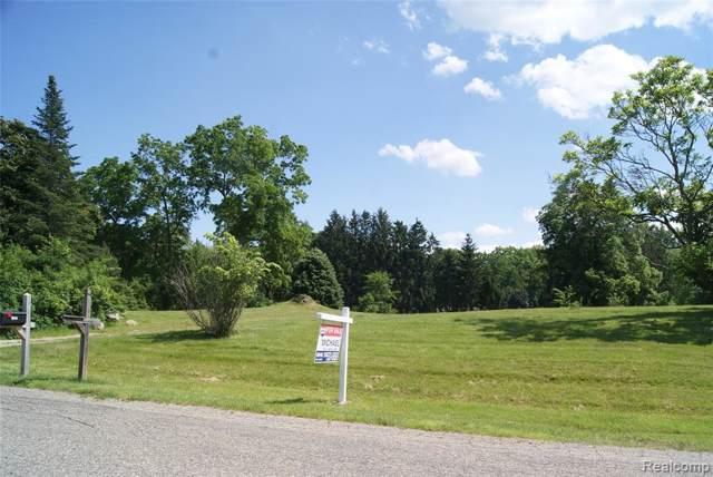 1615 Keller Lane, Bloomfield Twp, MI 48302 (#219117288) :: Alan Brown Group