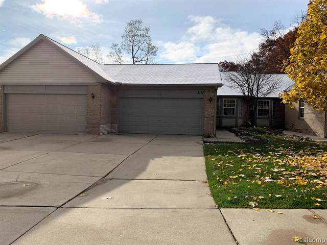 3121 Harbor Court, Waterford Twp, MI 48328 (#219117462) :: The Mulvihill Group