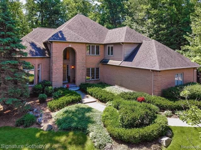 3498 Fox Woods Court, West Bloomfield Twp, MI 48324 (#219117760) :: Duneske Real Estate Advisors