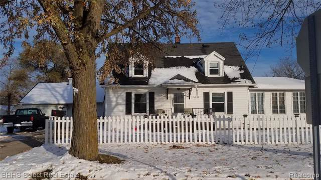 18749 Ray Street, Riverview, MI 48193 (#219118383) :: The Mulvihill Group