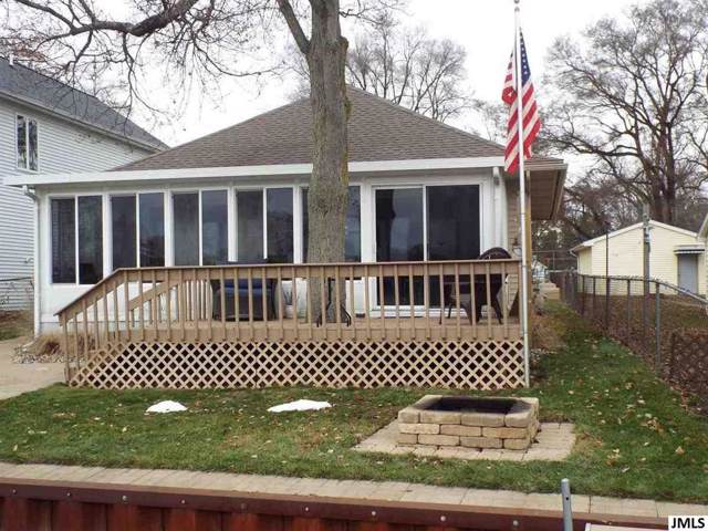 221 N Lakeside Dr, Leoni, MI 49254 (#55201904304) :: Springview Realty
