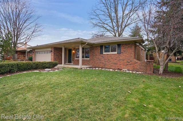 1247 Beattie Drive, Troy, MI 48085 (MLS #219118774) :: The Toth Team