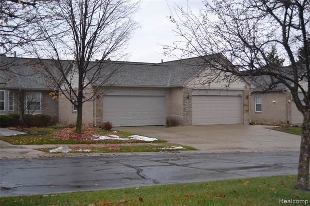 3074 Harbor Court, Waterford Twp, MI 48328 (#219118796) :: The Mulvihill Group