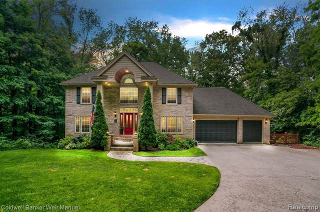 2480 Melvin Rd, Hamburg Twp, MI 48169 (#219119213) :: GK Real Estate Team