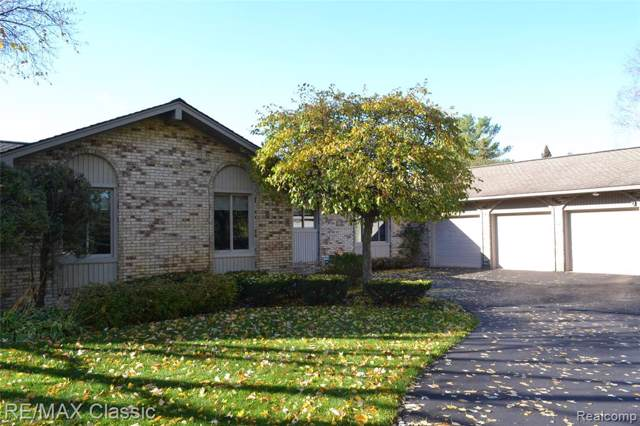 5171 Surfwood Drive, Commerce Twp, MI 48382 (#219119571) :: Alan Brown Group