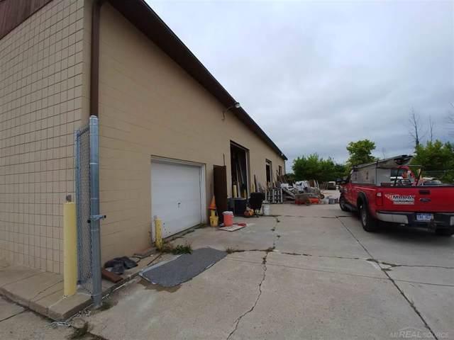 1850 Midland Rd, Saginaw Twp, MI 48638 (#58050001118) :: Team Sanford
