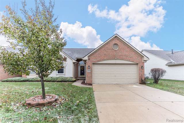 173 Shore Brook Lane, Commerce Twp, MI 48390 (#219119740) :: Alan Brown Group