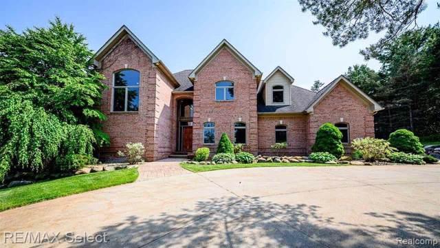 10090 Bennett Lake Road, Tyrone Twp, MI 48430 (#219119800) :: The Buckley Jolley Real Estate Team