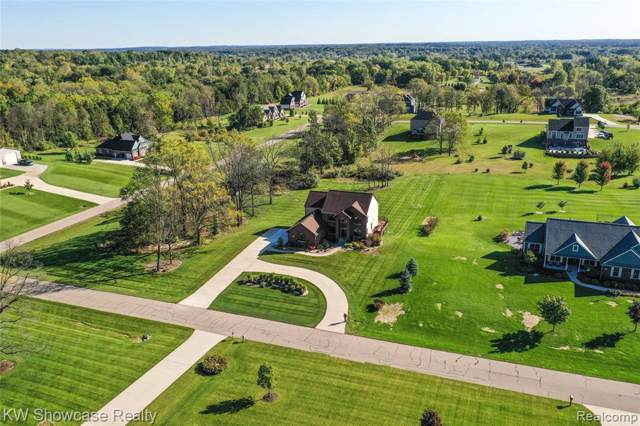 3576 Quinney Trail, Milford Twp, MI 48381 (#219120304) :: The Mulvihill Group