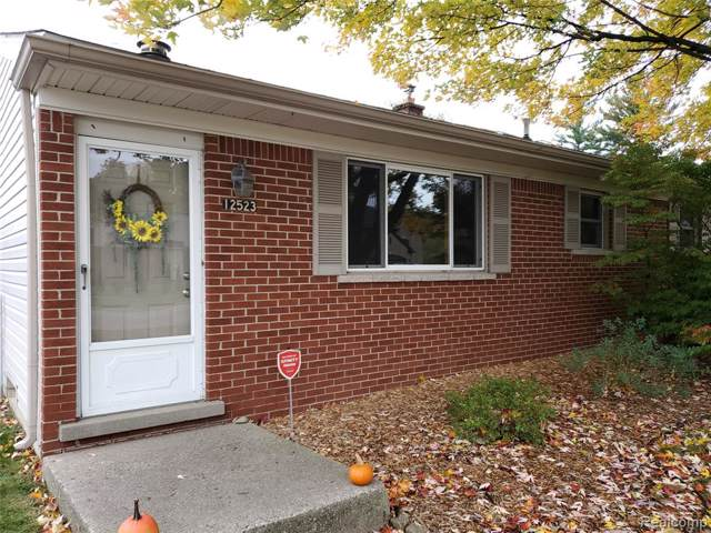 12523 Clinton River, Sterling Heights, MI 48313 (MLS #219120757) :: The Toth Team
