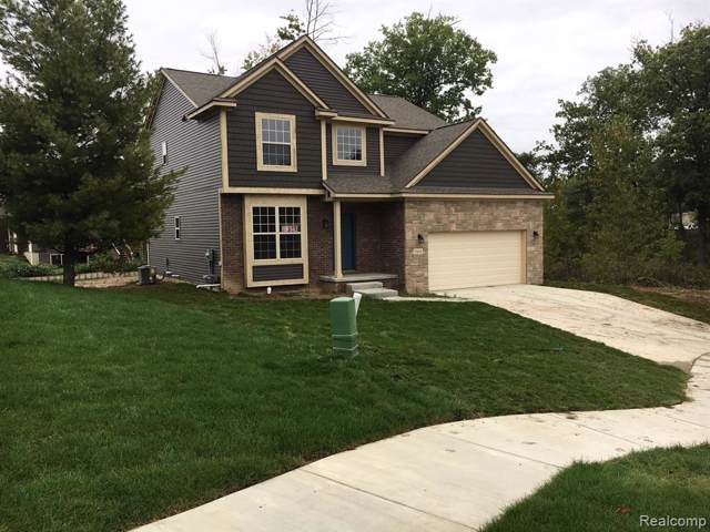 2816 Moosewood Drive, Waterford Twp, MI 48329 (#219121131) :: The Mulvihill Group