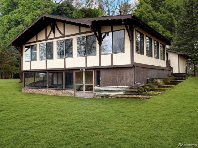 13527 W Lanedon Drive, Holly Twp, MI 48442 (#219121191) :: GK Real Estate Team