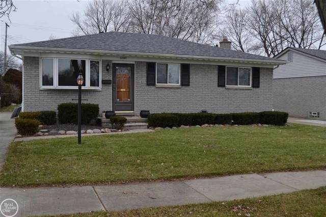 22215 Hoffman, Saint Clair Shores, MI 48082 (#58050001642) :: The Mulvihill Group