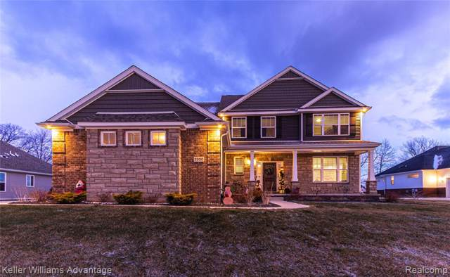 2200 Walnut View Drive, Hartland Twp, MI 48855 (#219122202) :: The Mulvihill Group
