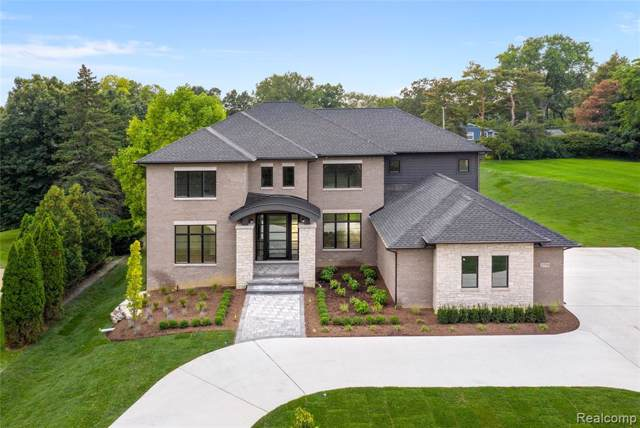 2770 Mackintosh Lane, Bloomfield Twp, MI 48302 (#219122342) :: Alan Brown Group