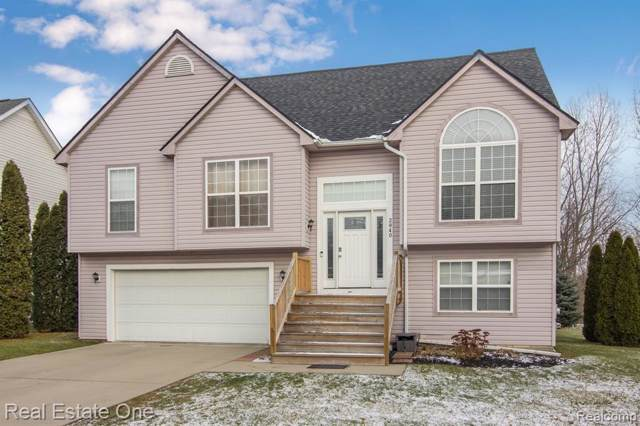 2840 Creekside Court, Waterford Twp, MI 48329 (#219122370) :: Alan Brown Group