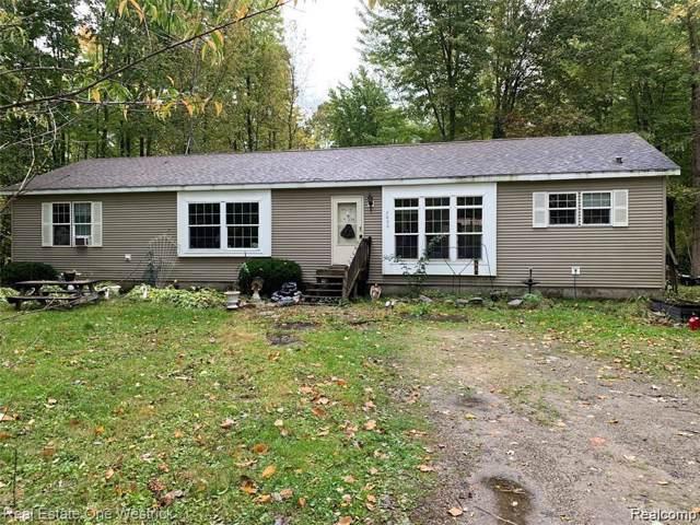 7600 Bernice Drive, Burtchville Twp, MI 48059 (#219122602) :: The Buckley Jolley Real Estate Team