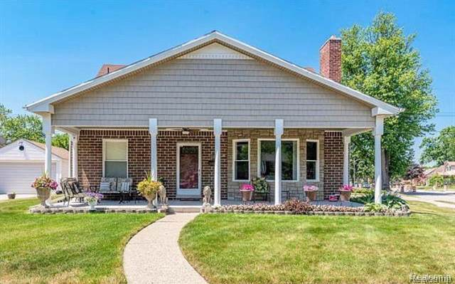 18280 Outer Drive, Dearborn, MI 48128 (#219122615) :: The Alex Nugent Team | Real Estate One