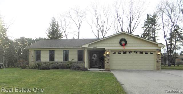 3661 Oriole Drive, Troy, MI 48084 (#219122616) :: The Mulvihill Group