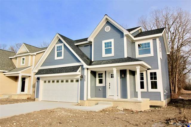 525 S Winding Drive, Waterford Twp, MI 48328 (#219122622) :: The Mulvihill Group