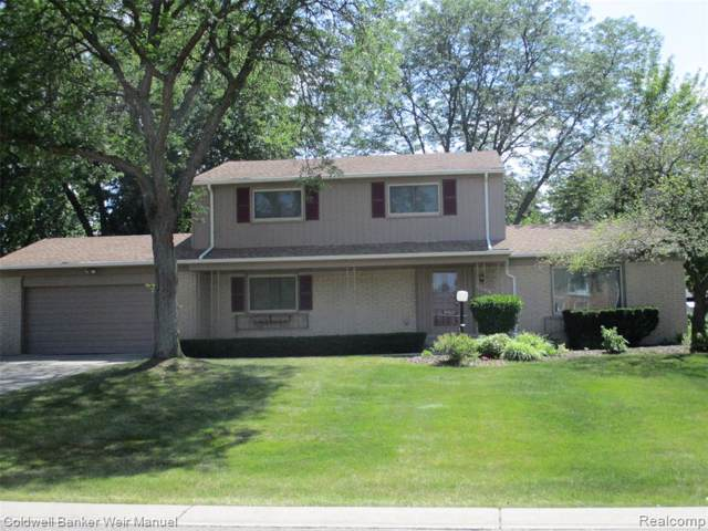 4817 Faircourt Dr, West Bloomfield Twp, MI 48322 (#219122642) :: RE/MAX Classic