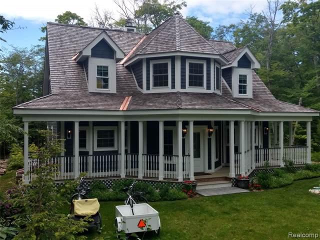 8060 Pine Brook Street, Mackinac Island, MI 49757 (#219123951) :: Team Sanford