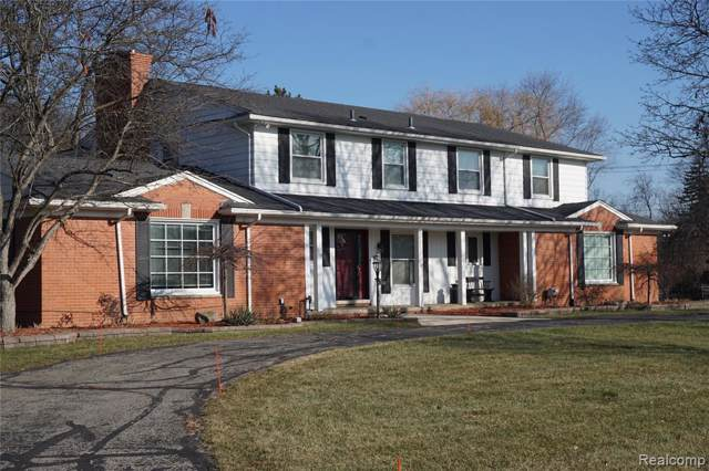 22532 Heathersett Crescent, Farmington Hills, MI 48335 (#219124088) :: The Buckley Jolley Real Estate Team