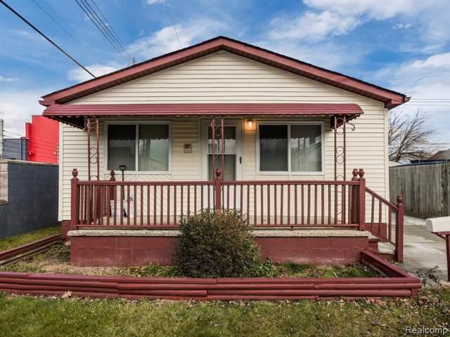 27 E Kalama Avenue, Madison Heights, MI 48071 (#2200000522) :: The Buckley Jolley Real Estate Team