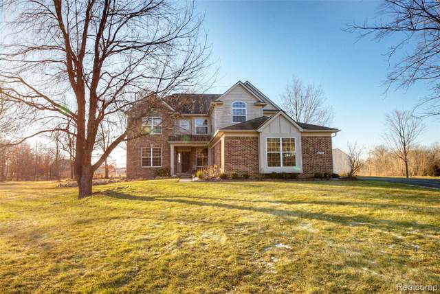2797 Steeplechase, Highland Twp, MI 48357 (#2200001488) :: The Buckley Jolley Real Estate Team