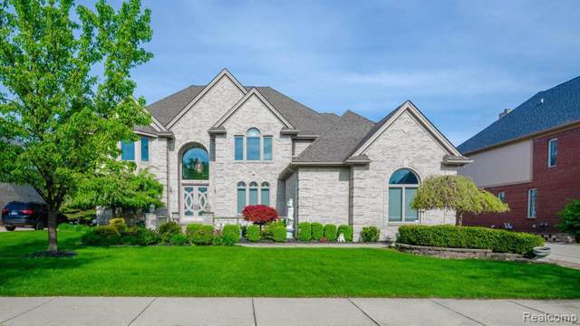 54296 Salem Drive, Shelby Twp, MI 48316 (#2200001812) :: The Buckley Jolley Real Estate Team