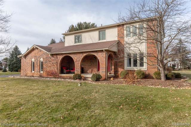 3644 Car Drive, Commerce Twp, MI 48382 (#2200001896) :: The Mulvihill Group
