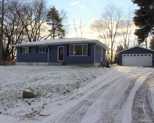 1471 W Silverbell Road, Orion Twp, MI 48359 (MLS #2200002205) :: The Toth Team